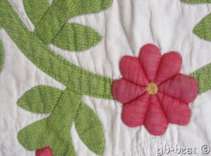 Early 1850s Red Green Antique President's Wreath Applique QUILT Piece STUFFED TR