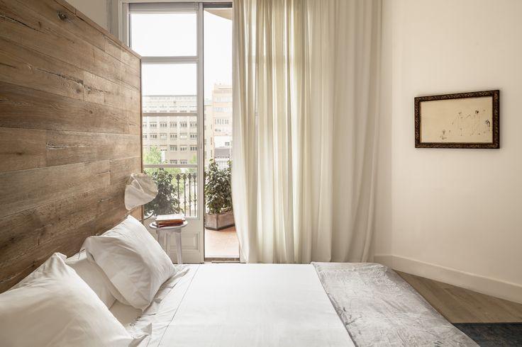 Location: Barcelona, Spain Author: Alex Gasca Zubillaga + Team Photo: Adrià Goula Construction: Marcos Palomar Giró Area: 180m2 Client: Private Date: 2014