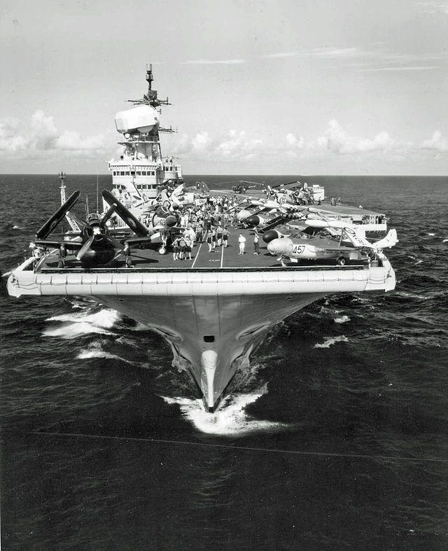 HMS- Victorious (Marina británica - 1946 embarcó a 650 mujeres australianas - esposas de militares británicos- para llevarlas a Inglaterra)