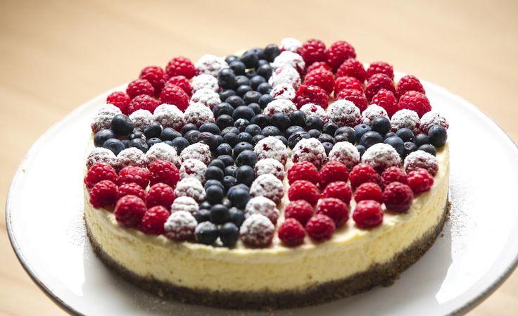 «Hele Norge baker»-Idas 17.mai-ostekake - Godt.no - Finn noe godt å spise [Constitution Day]