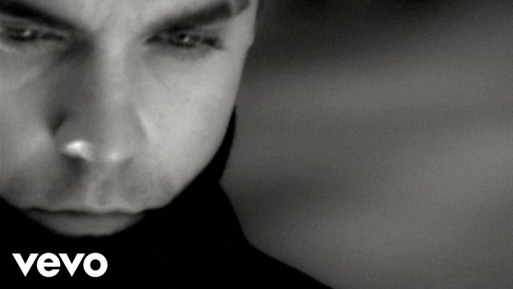 Robbie Williams - Angels Quando estou me sentindo fraco E minha dor caminha por uma rua de mão única Eu olho para cima E sei que serei sempre abençoado com amor E conforme o sentimento cresce Ela sopra carne aos meus ossos E quando o amor estiver morto Estou amando anjos em vez disso