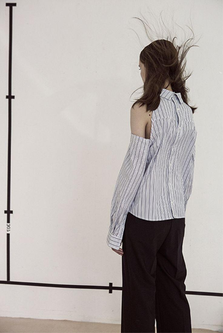 LIZETTE - Top épaules dénudées  PHAM - Pantalon court noir