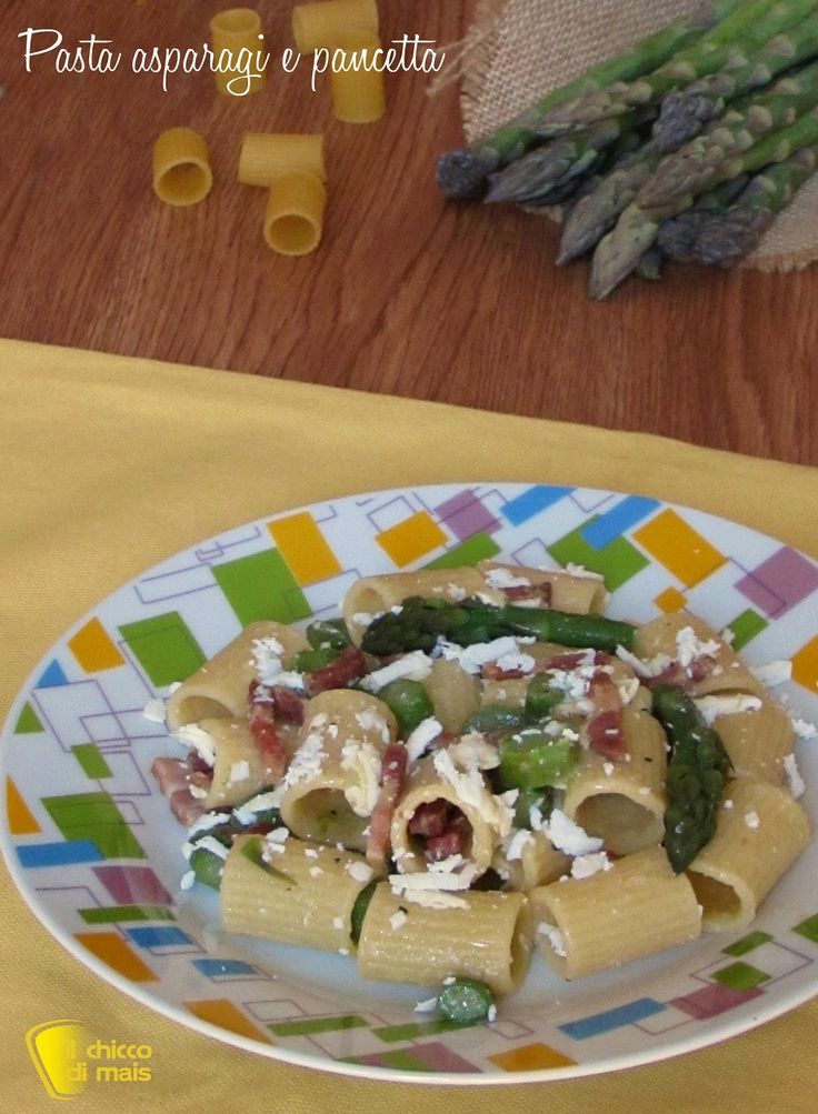 PASTA ASPARAGI E PANCETTA CON RICOTTA SALATA #pasta #asparagi #pancetta #ricottasalata #ricottadura #cacioricotta #primi #ricetta #veloce #facile #primavera #primaverile #asparagus #bacon #cheese #easy #quick #recipe #ilchiccodimais http://blog.giallozafferano.it/ilchiccodimais/pasta-asparagi-e-pancetta/