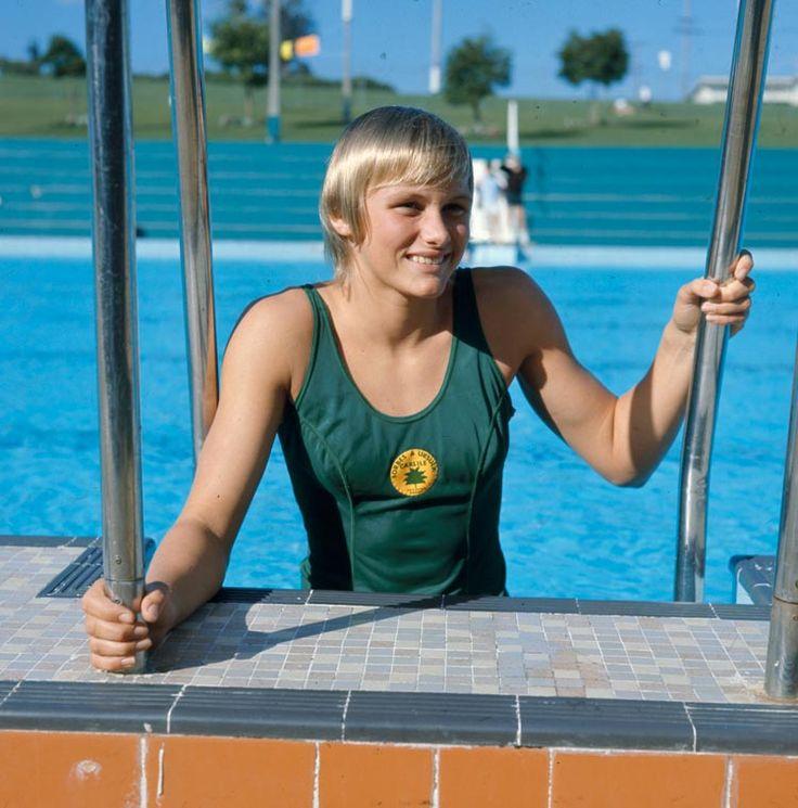 Shane Gould  -  1972 Müncheni olimpián az úszóversenyek sztárja egy ausztráliai kislány lett, aki három aranyat (200 m mell, 200 m gyors, 400 m gyors), egy ezüstöt és egy bronzot szerzett.