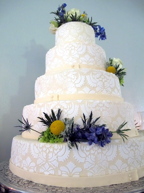 Finding Sunday: Beautiful wedding cake from caramel cup: Beautiful Wedding Cakes