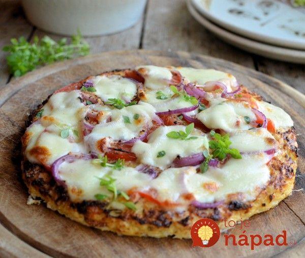 Fitness pizza zkarfiolového cesta