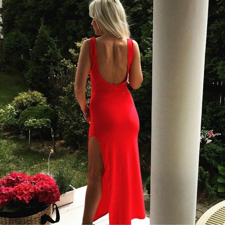 czerwona sukienka maxi