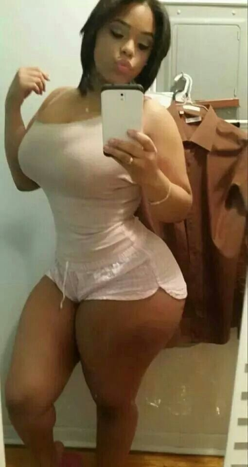 thick-girls-nude-self-pictures