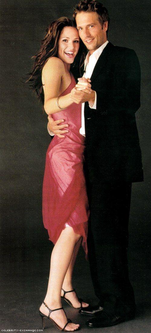 Jennifer Garner & Michael Vartan.. As Sydney Bristow and Michael Vaughn. Alias was such a great show!