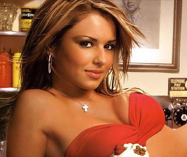 The 270 Hottest Cheryl Cole GIFs You Will Ever See http://www.resharelist.com/hot-cheryl-cole-gifs/