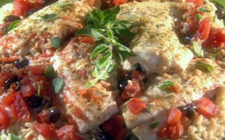 Pan-seared sea bass with olives, tomatoes and oregano brown rice Recipe