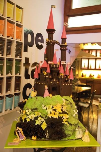 Castillo en la pasteleria Escribà