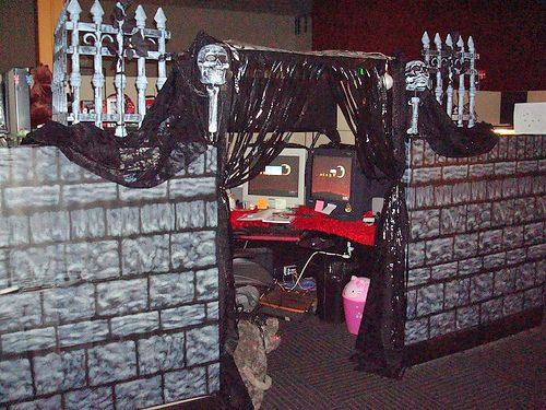 halloween ideas for the office. coworkers might think your work space is a haunted house rather than functional halloween office decorationshalloween ideas for the