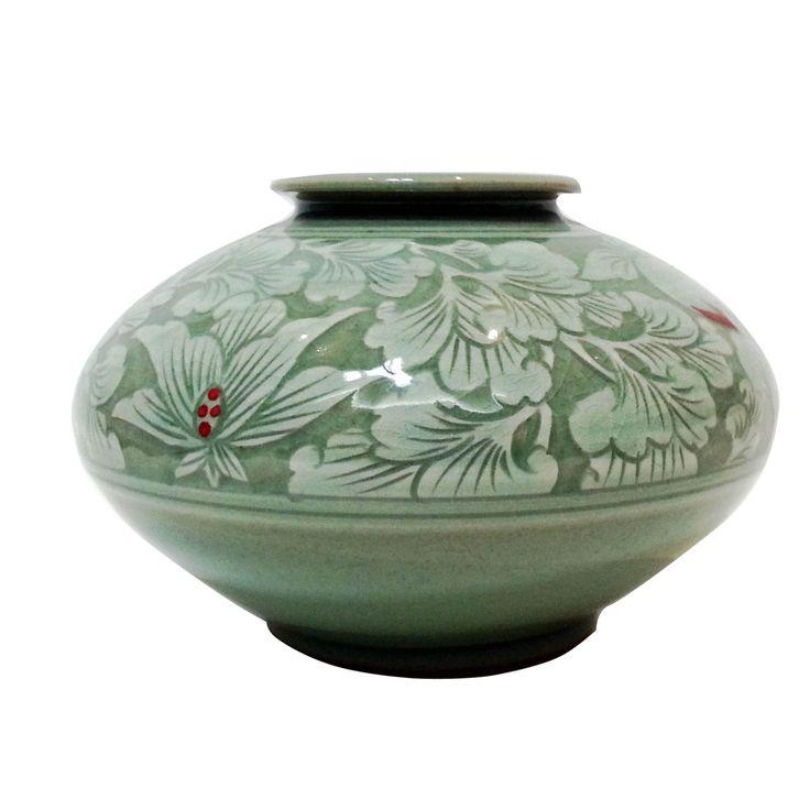 Goryeo pottery celadon porcelain jar