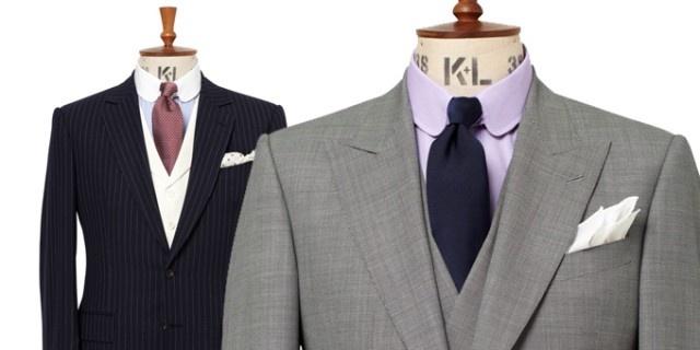 I completi maschili di CHESTER BARRIE per lestate 2013 arrivano nei negozi Coin di Milano, Verona e Mestre. Il colletto della camicia e arrotondato.