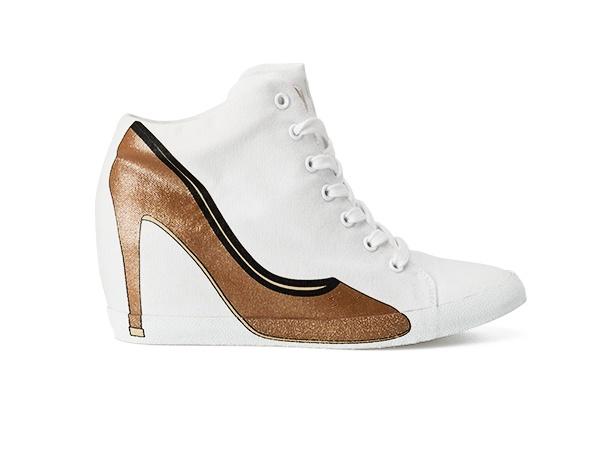CLAUDIA WEDGE 15 - Scarpa sportiva alla caviglia in canvas di cotone e suola in gomma con tacco interno. Sul lato esterno la stampa della silhouette di una decolletè. #olofashion #sneakers #shoes