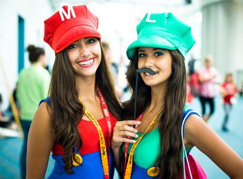 Mario und Luigi Kostüm Halloween Check more at http://diydekoideen.com/ausgefallene-halloween-kostume-zum-selber-machen/