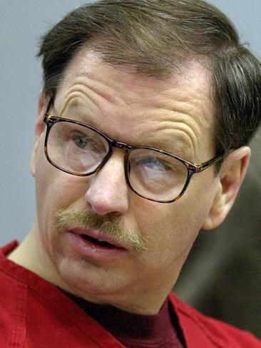 gary ridgway serial killer essay Enforcement in the apprehension of future serial murderers geographic profiling of serial murderer, gary ridgway gary ridgway, green river killer, serial.
