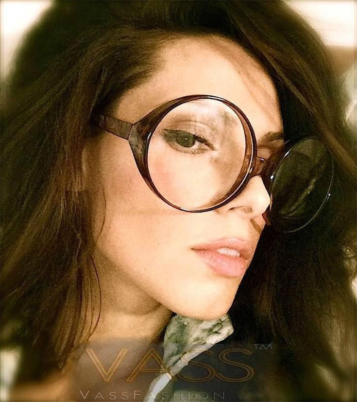 Large Frame Glasses For Oval Face : 144 best images about girls who wear glasses... on ...