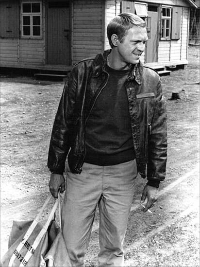Classic Wartime Bomber Jacket - Must get hands on one of these!   Steve McQueen in The Great Escape