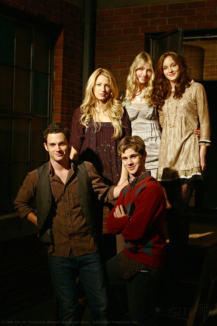 penn badgley  blake lively  taylor momsen  leighton meester  and connor paolo portray the