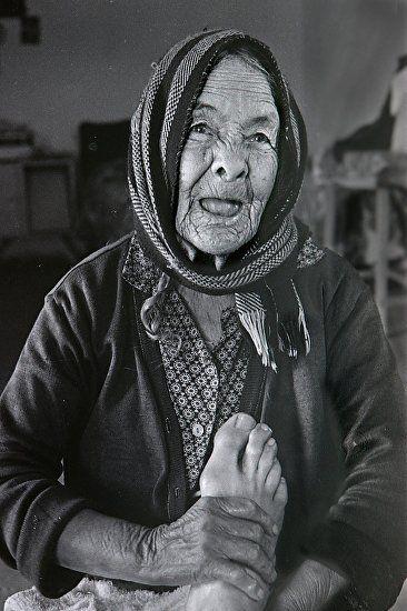 "Where ART Lives Gallery Artists Group Blog: Fine Art Photography, Tarahumara Indians ""The Bone Doctor"" by International Photographer Kit Hedman"
