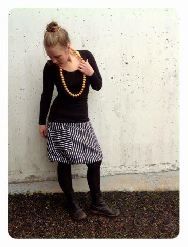 http://karkelokukka.blogspot.fi/2013/10/pussihelmaisen-hameen-ompeluohje.html