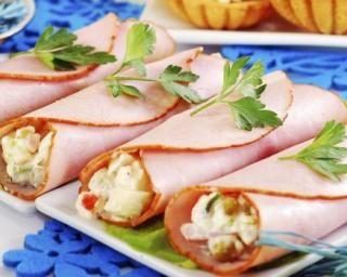 Roulés de jambon à la mayonnaise légère et petits légumes : http://www.fourchette-et-bikini.fr/recettes/recettes-minceur/roules-de-jambon-la-mayonnaise-legere-et-petits-legumes.html