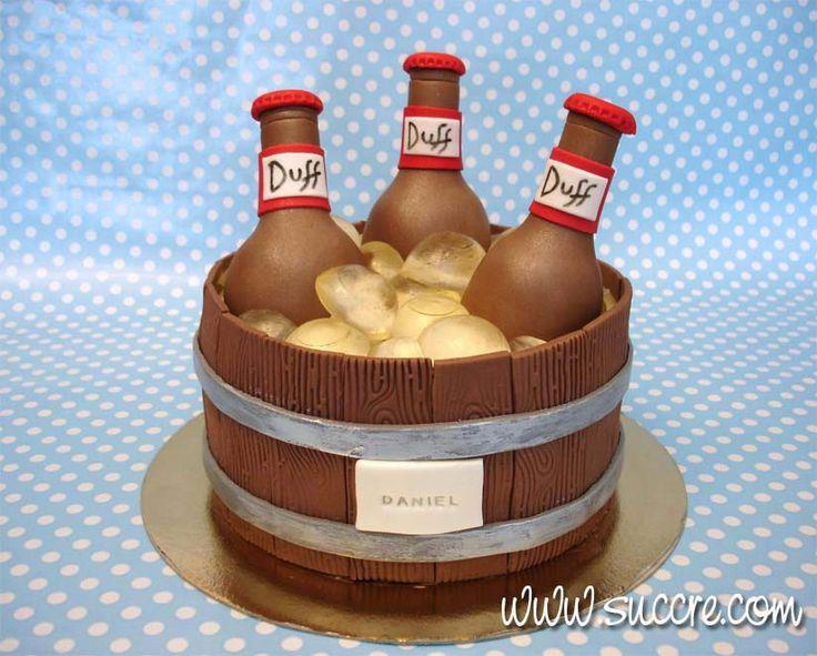 Tarta cubo botellines de cerveza - Bucket of beer bottles cake https://succre.wordpress.com/2015/03/09/una-cervecita-fresca-tarta-cubo-de-botellines-de-cerveza/
