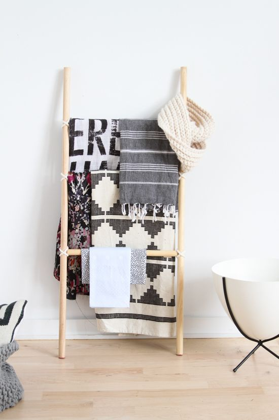 How To Make The Easiest Diy Blanket Ladder Without Nails
