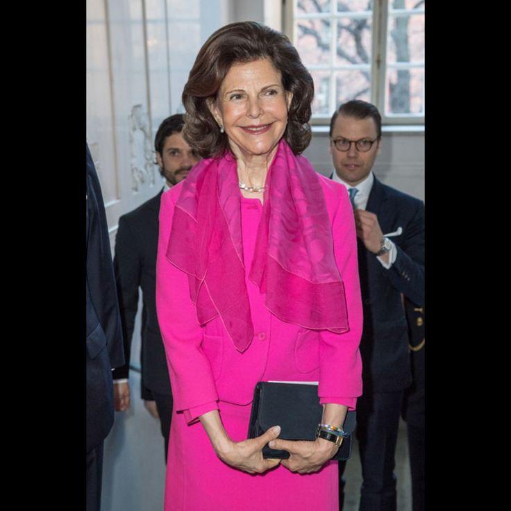 La reine Silvia de Suède au Théâtre royal dramatique à Stockholm, le 25 avril 2016