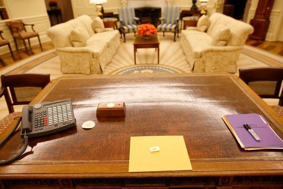 "January 20, 2009 A folder for ""44"" sits on the Resolute Desk in the Oval Office of the White House from President George W. Bush who carried on the tradition of leaving a hand-written note to his successor, President-elect Barack Obama. -from the..."
