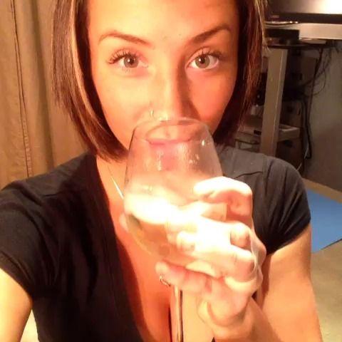 Fuck homework. Just drink it up #moscato #fuckhomework #drinkydrinky #firstvine #haha #lame