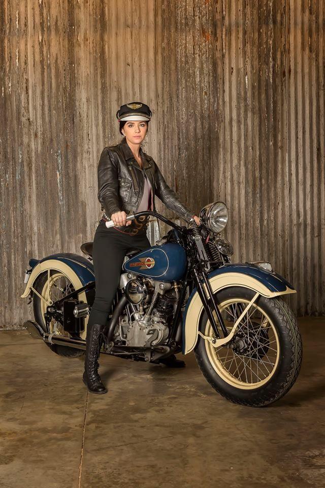 1936 Harley Davidson Knucklehead dressed in Venetian Blue and Croydon Cream paint!