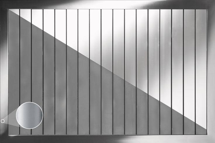 Base de duche em inox com 50mm de espessura. Estrado de madeira ou alumínio (preto ou cromado) incluído. Fácil remoção do estrado para limpeza. Foscagem antiderrapante. Válvula de descarga sifonada 90mm incluída. Disponível em aço inox polido ou escovado.   Características: Tipo de Porta - INOX  #italbox #waterprotect #inox #basededuche #antiderrapante #showerbases #bathroom #casadebanho