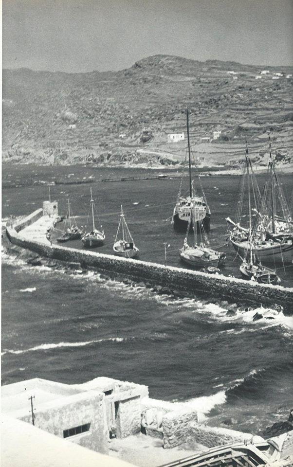 Mykonos 1950's (photo Voula Papaioannou)