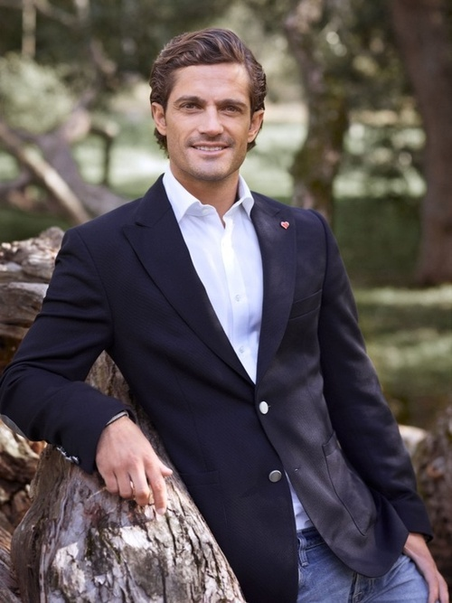 Prince Carl Philip of Sweden  -  Europe's hottest royal....sorry William and Harry, but Philip takes the cake!