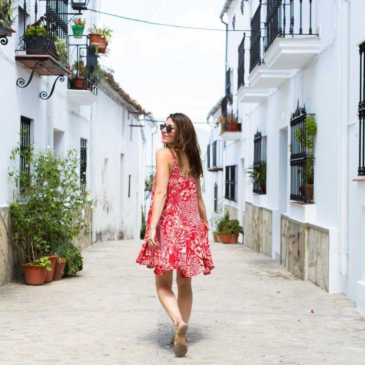 Een beetje inspiratie nodig deze zomer? Ga dit jaar eens niet op vakantie naar de grote trekpleisters. Je hebt ook kleine, maar oh zo gezellige dorpjes. Je hoeft niet eens ver te reizen, ze liggen gewoon in Europa.