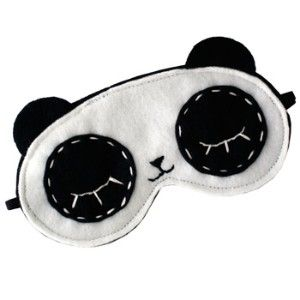 Let there be NO Light! Panda sleep mask :: So cute ... and looks really easy!!!