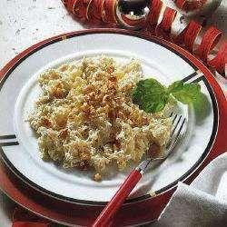 Sauerkrautsalat mit Äpfeln und Ananas