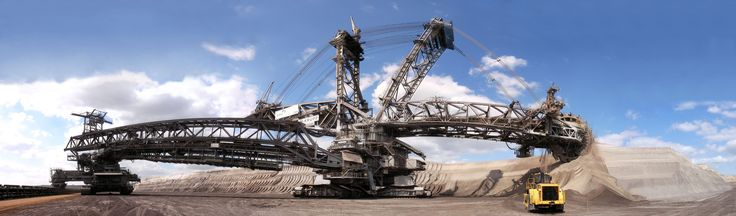 Bagger 228 a German excavator and the largest land vehicle in the world [5075x1490]