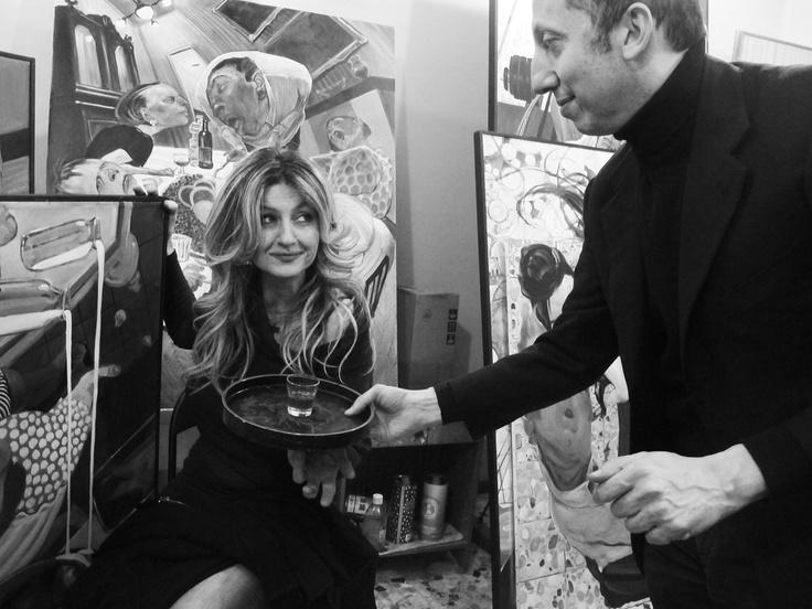 E' un piacere tornare camerieri per servire una sì affascinante cuoca: Emanuela Baricchi dello Scalocchio di Castione Baratti (www.osterialoscalocchio.com). Ovviamente colta da Maria Benassati fra i più appetitosi quadri robustiani. Parma 2012.