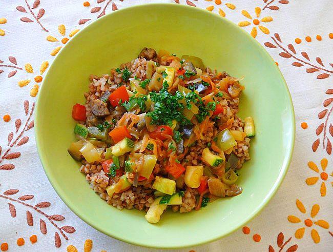 Jednoduchá pohanka se zeleninou | Veganotic