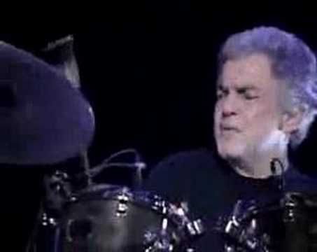 Steve Gadd playing Chega De Saudade - YouTube