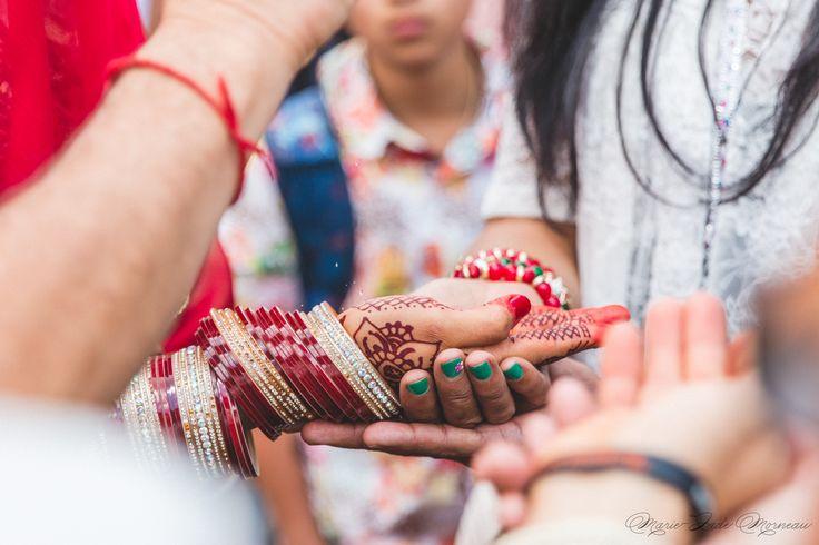 Indian wedding, bride, nose ring, bindi married, hare krishna, colombia, couple, portrait, photography, flowers, bouquet, mariée, bouquet, fleurs, white, inspiration, mariage, wedding, photographer, Montreal, henna, bindhi