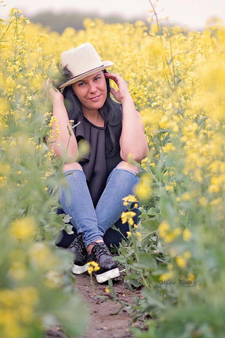 Canolafields #canolafields yellow portrait/MayaPhoto/Mayamias