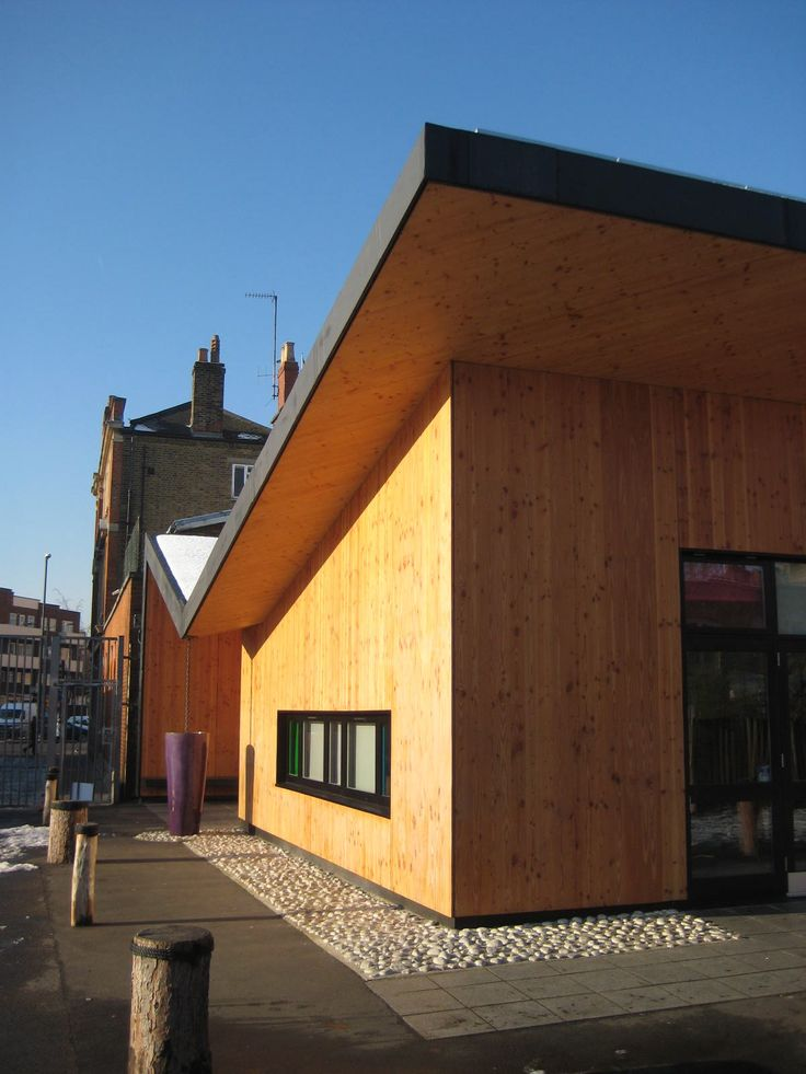 Gutter detail- Timber cladding http://cbarchitects.co.uk