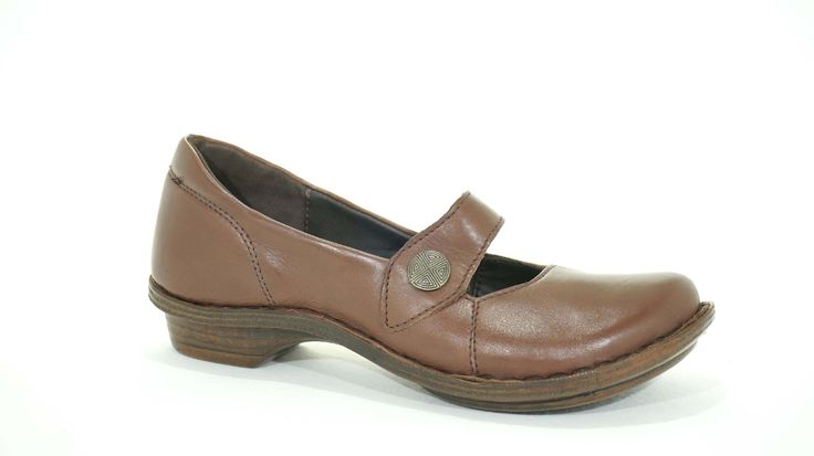 Tsonga (Walnut/ Brown) Nampa Handmade Genuine Leather Shoe. R 939. Handcrafted in Pietermaritzburg, South Africa Code: TLUB066. See online shopping for sizes.   Shop for Tsonga online https://thewhatnotshoes.co.za       Free Delivery within South Africa.