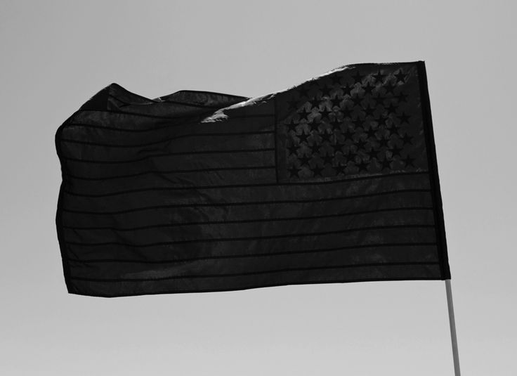 lIII Black Flag IIII