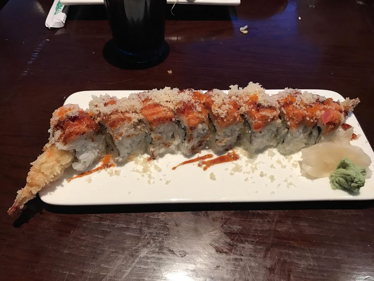 Manhattan Roll from Kobe Buddha House in South Portland ME. Inside: Shrimp tempura avocado cucumber. Outside: Spicy tuna eel sauce tempura flakes and tobiko. #sushi #food #foodporn #japanese #Japan #dinner #sashimi #yummy #foodie #lunch #yum